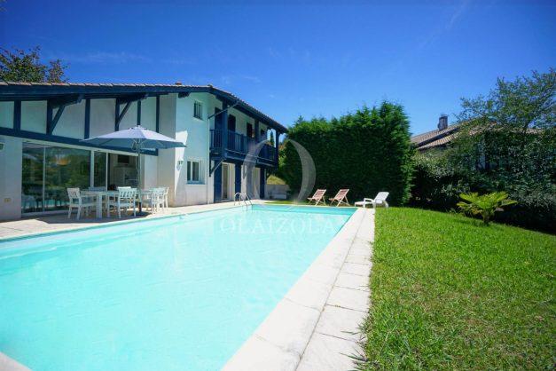 location-vacances-cote-basque-golf-villa-piscine-terrasse-makila-jardin-proche-plages-006
