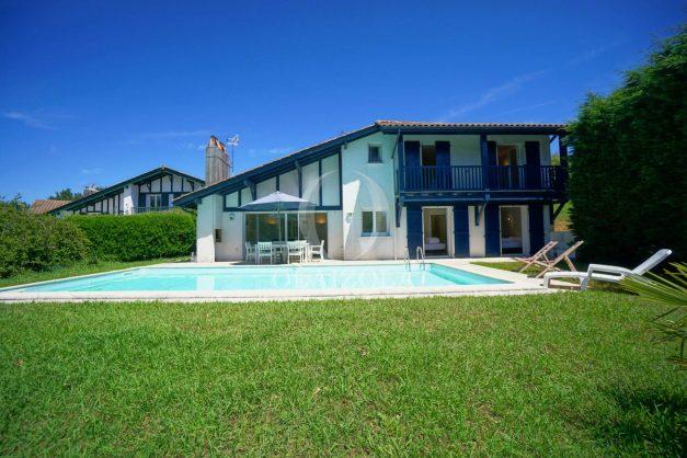 location-vacances-cote-basque-golf-villa-piscine-terrasse-makila-jardin-proche-plages-007