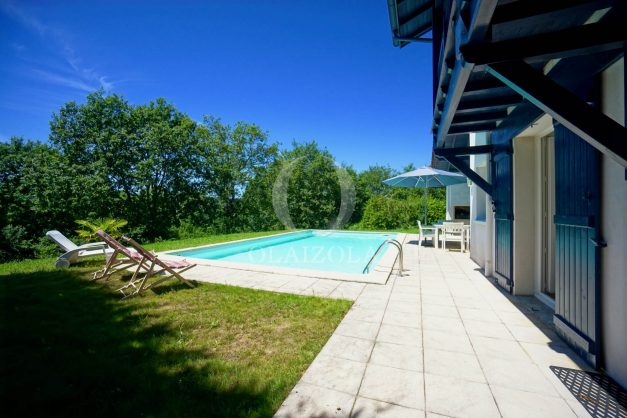 location-vacances-cote-basque-golf-villa-piscine-terrasse-makila-jardin-proche-plages-010