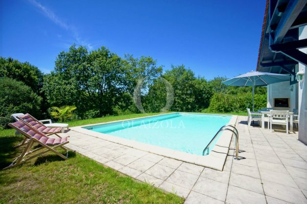location-vacances-cote-basque-golf-villa-piscine-terrasse-makila-jardin-proche-plages-011