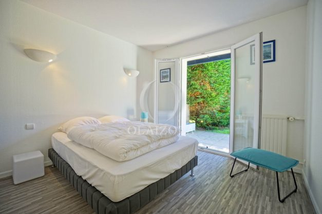 location-vacances-cote-basque-golf-villa-piscine-terrasse-makila-jardin-proche-plages-021