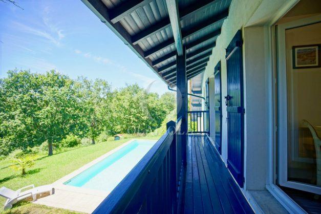 location-vacances-cote-basque-golf-villa-piscine-terrasse-makila-jardin-proche-plages-034