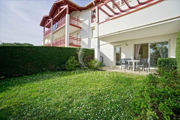 location-vacances-bidart-t2-jardin-terrasse-parking-plage-a-pied-plancha-2021-003