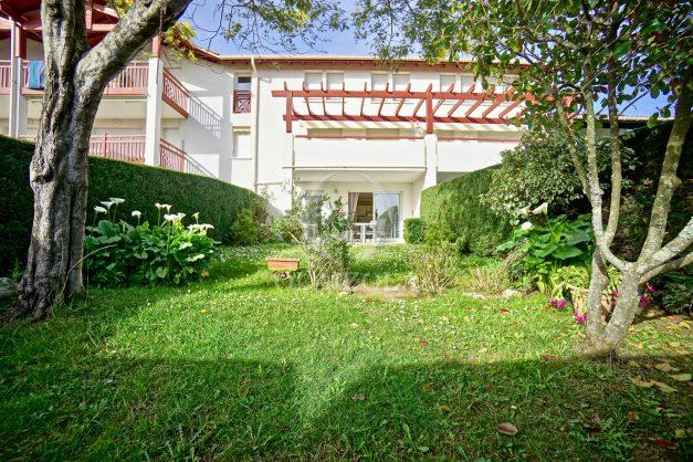 location-vacances-bidart-t2-jardin-terrasse-parking-plage-a-pied-plancha-2021-004