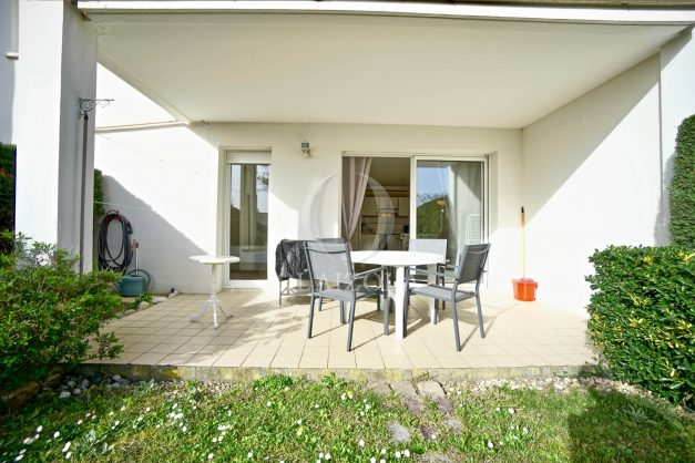 location-vacances-bidart-t2-jardin-terrasse-parking-plage-a-pied-plancha-2021-008