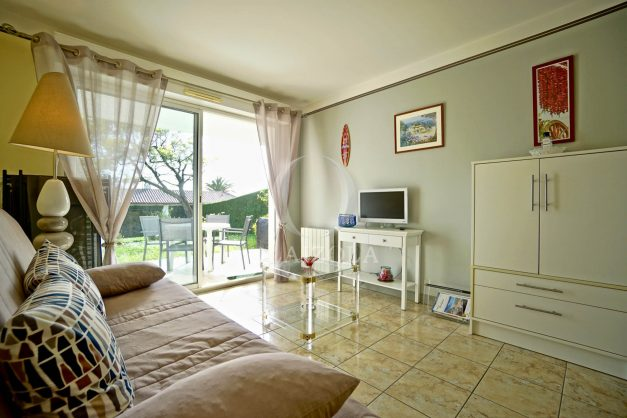 location-vacances-bidart-t2-jardin-terrasse-parking-plage-a-pied-plancha-2021-013