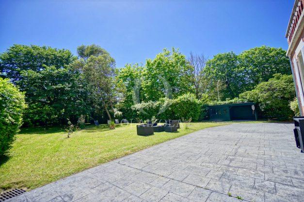 location-vacances-biarritz-appartement-t4-terrasses-jardins-proche-centre-ville-plages-standing-salon-jardin-012