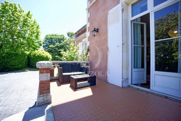 location-vacances-biarritz-appartement-t4-terrasses-jardins-proche-centre-ville-plages-standing-salon-jardin-018