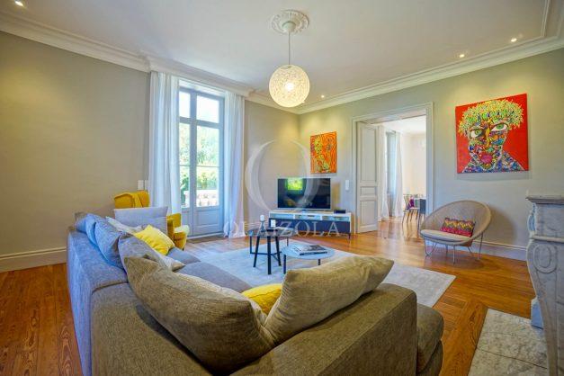 location-vacances-biarritz-appartement-t4-terrasses-jardins-proche-centre-ville-plages-standing-salon-jardin-022