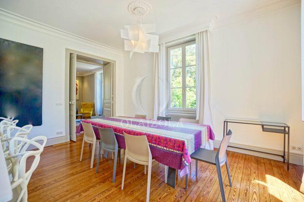 location-vacances-biarritz-appartement-t4-terrasses-jardins-proche-centre-ville-plages-standing-salon-jardin-031