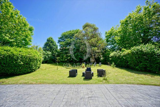 location-vacances-biarritz-appartement-t4-terrasses-jardins-proche-centre-ville-plages-standing-salon-jardin-037