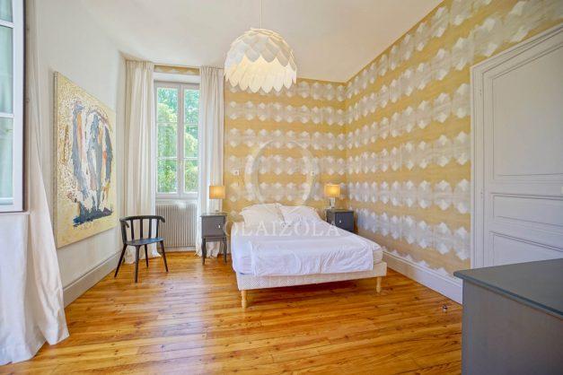 location-vacances-biarritz-appartement-t4-terrasses-jardins-proche-centre-ville-plages-standing-salon-jardin-043