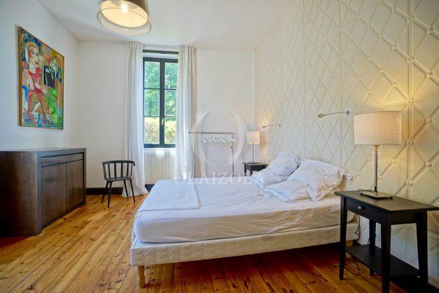 location-vacances-biarritz-appartement-t4-terrasses-jardins-proche-centre-ville-plages-standing-salon-jardin-050