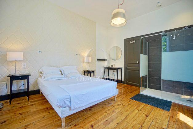 location-vacances-biarritz-appartement-t4-terrasses-jardins-proche-centre-ville-plages-standing-salon-jardin-053