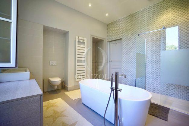 location-vacances-biarritz-appartement-t4-terrasses-jardins-proche-centre-ville-plages-standing-salon-jardin-062