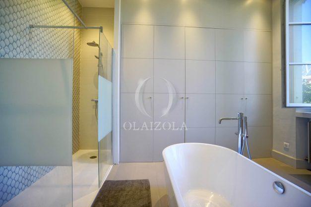 location-vacances-biarritz-appartement-t4-terrasses-jardins-proche-centre-ville-plages-standing-salon-jardin-063