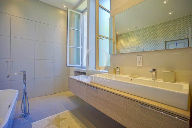 location-vacances-biarritz-appartement-t4-terrasses-jardins-proche-centre-ville-plages-standing-salon-jardin-066