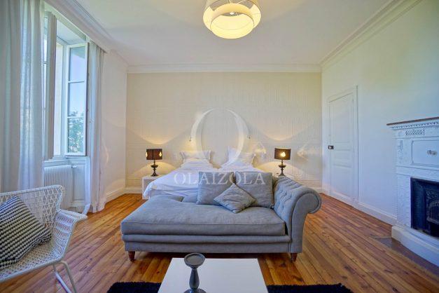 location-vacances-biarritz-appartement-t4-terrasses-jardins-proche-centre-ville-plages-standing-salon-jardin-071