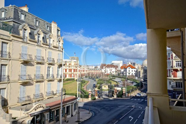location-vacances-biarritz-appartement-proche-grande-plage-hotel-du-palais-centre-ville-parking-terrasse-balcon-plage-a-pied-2021-001
