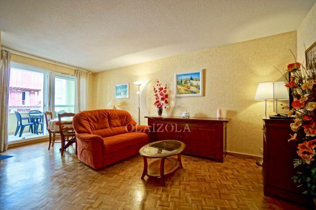 location-vacances-biarritz-appartement-proche-grande-plage-hotel-du-palais-centre-ville-parking-terrasse-balcon-plage-a-pied-2021-005