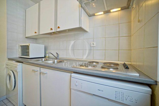location-vacances-biarritz-appartement-proche-grande-plage-hotel-du-palais-centre-ville-parking-terrasse-balcon-plage-a-pied-2021-013