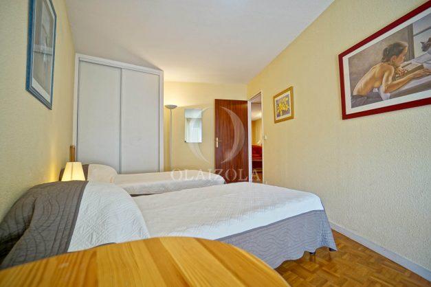 location-vacances-biarritz-appartement-proche-grande-plage-hotel-du-palais-centre-ville-parking-terrasse-balcon-plage-a-pied-2021-020