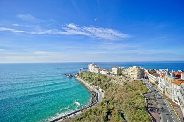 Appartement-Biarritz-T3-location-vacance-incroyable-vue-mer-cote-des-basques-centre-ville-tout-a-pied-climatisation-2021-002
