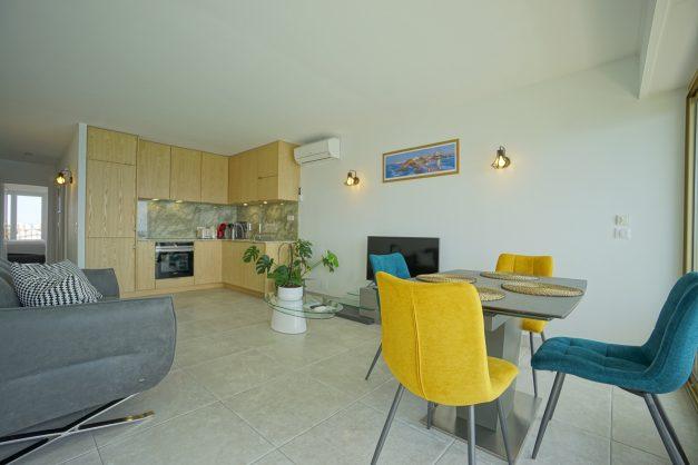 Appartement-Biarritz-T3-location-vacance-incroyable-vue-mer-cote-des-basques-centre-ville-tout-a-pied-climatisation-2021-011