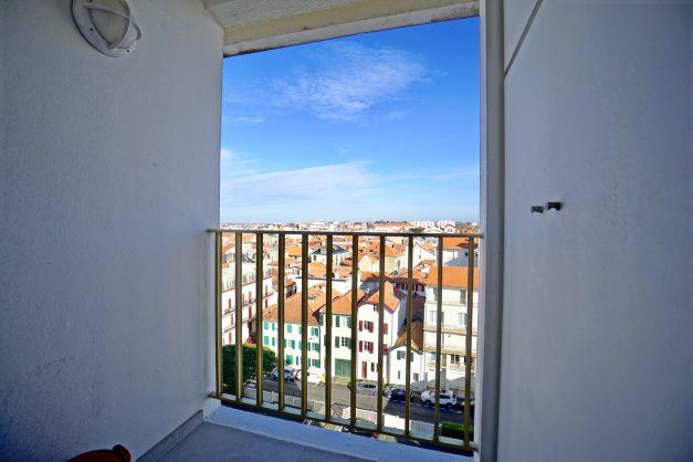 Appartement-Biarritz-T3-location-vacance-incroyable-vue-mer-cote-des-basques-centre-ville-tout-a-pied-climatisation-2021-023