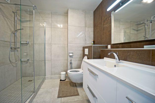 Appartement-Biarritz-T3-location-vacance-incroyable-vue-mer-cote-des-basques-centre-ville-tout-a-pied-climatisation-2021-028