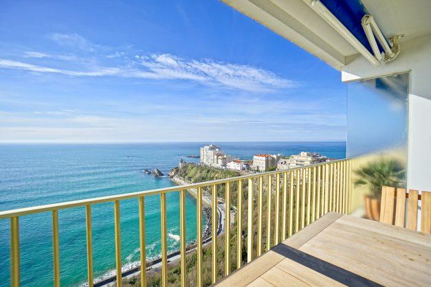 Appartement-Biarritz-T3-location-vacance-incroyable-vue-mer-cote-des-basques-centre-ville-tout-a-pied-climatisation-2021-030